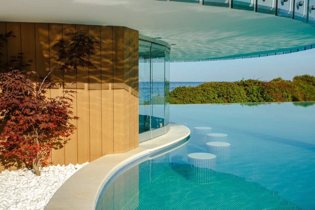 A world of 5-star luxury awaits you in Halkidiki